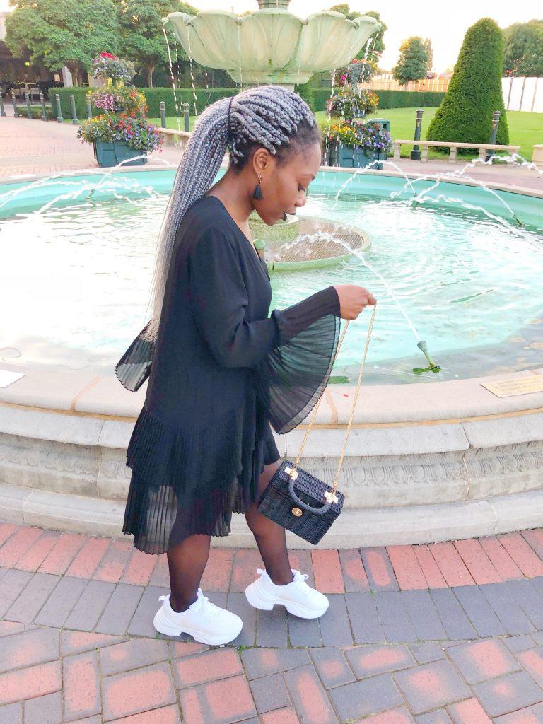 c16c20c6 CONTRASTING PLEATED BLOUSE #1. La fameuse blouse plissée de chez Zara!? Je  dis OUI à 100%